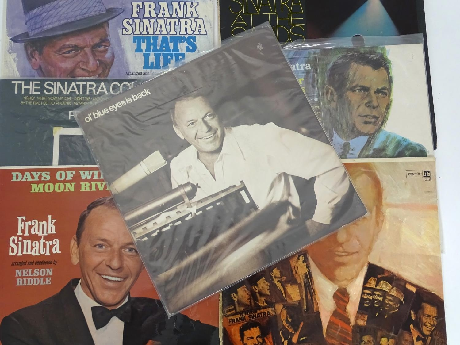 A quantity of Frank Sinatra LP vinyl records Please Note - we do not make reference to the condition - Image 6 of 7