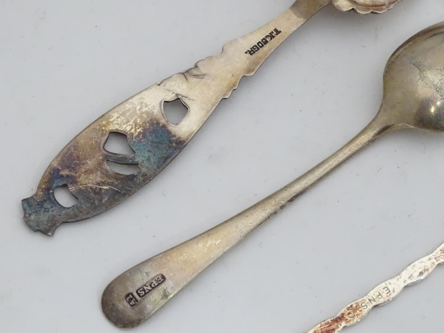 A quantity of assorted collectors spoons Please Note - we do not make reference to the condition - Image 11 of 16