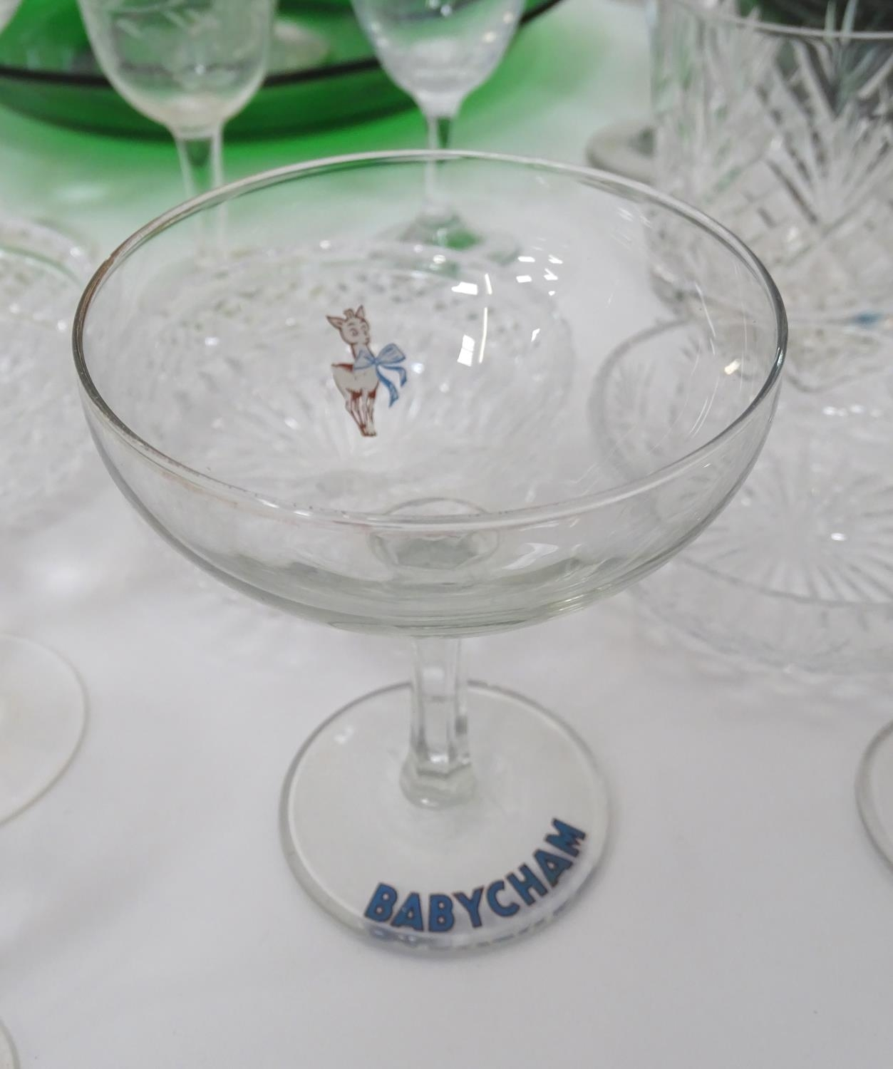 A quantity of assorted glassware to include decanters, drinking glasses, bowls etc Please Note - - Image 5 of 8