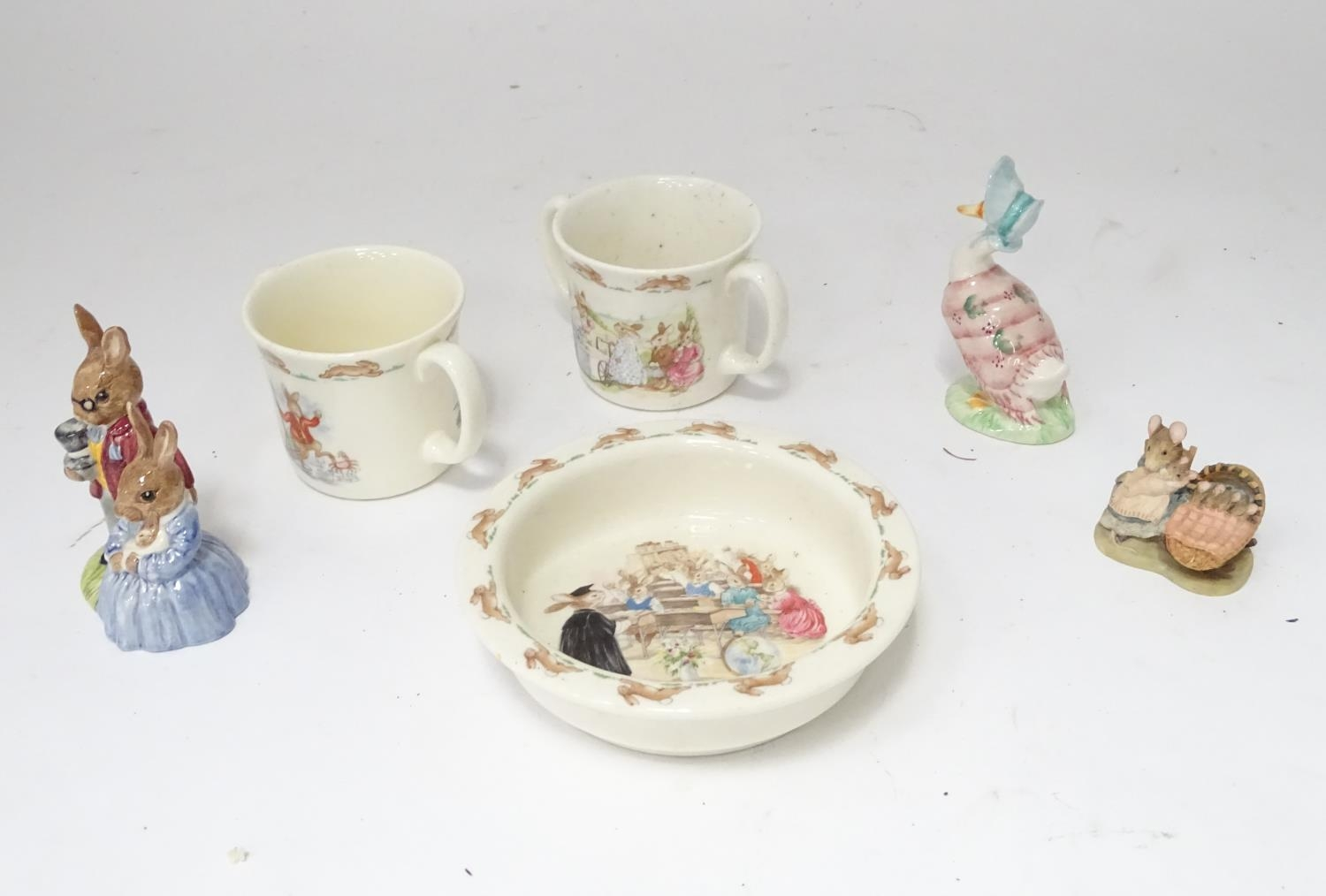 A quantity of Beatrix Potter ceramics, Bunnykins etc. Please Note - we do not make reference to - Image 5 of 9