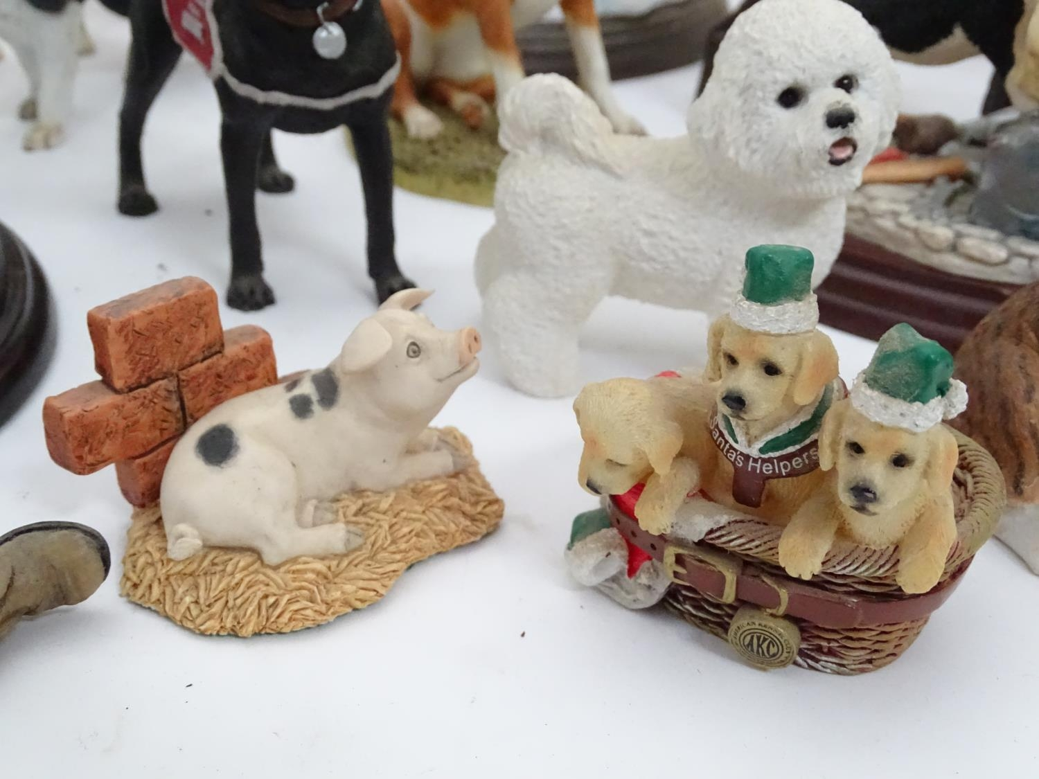 A quantity of dog figurines Please Note - we do not make reference to the condition of lots within - Image 8 of 10