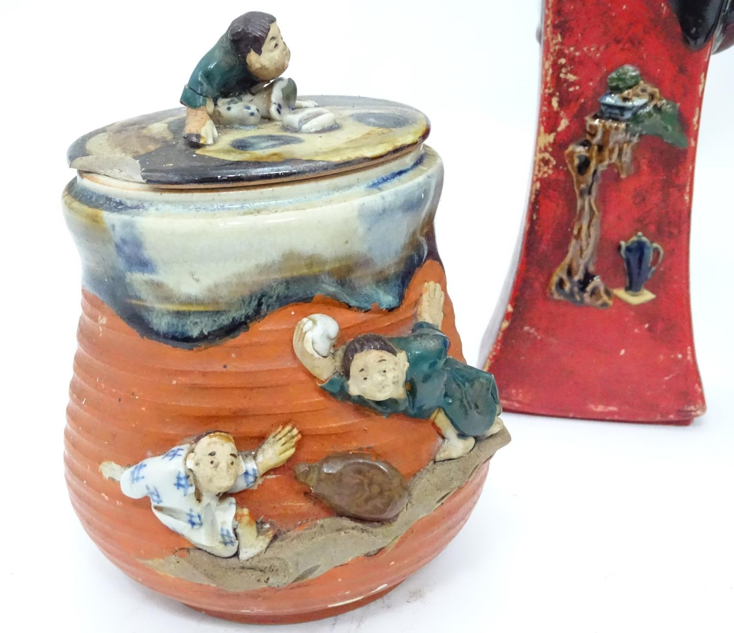 A quantity of Oriental ceramics Please Note - we do not make reference to the condition of lots - Image 6 of 15