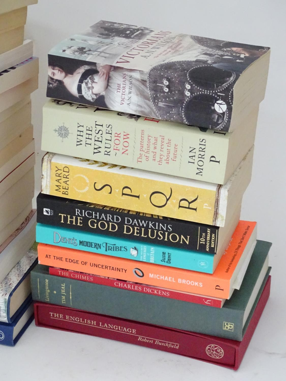 A quantity of books to include titles by Alan Bennett, Jeremy Clarkson, Bill Bryson, Anthony - Image 4 of 6