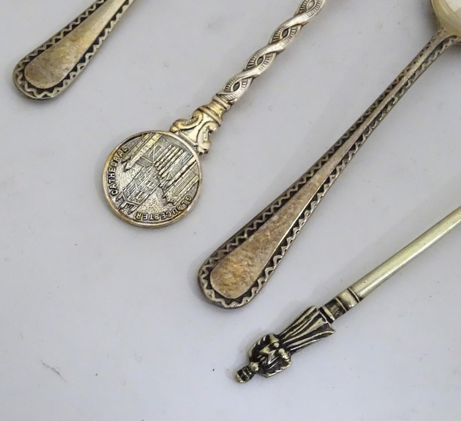A quantity of assorted collectors spoons Please Note - we do not make reference to the condition - Image 5 of 16