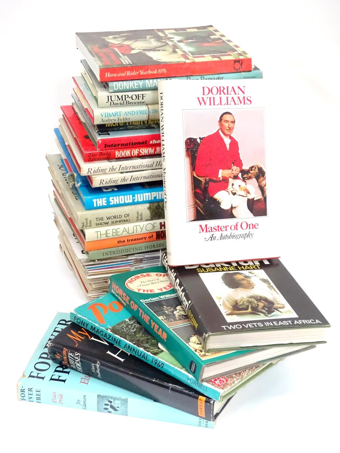 A quantity of riding books, titles to include Master of One, An autobiography of Dorian Williams, - Image 3 of 5