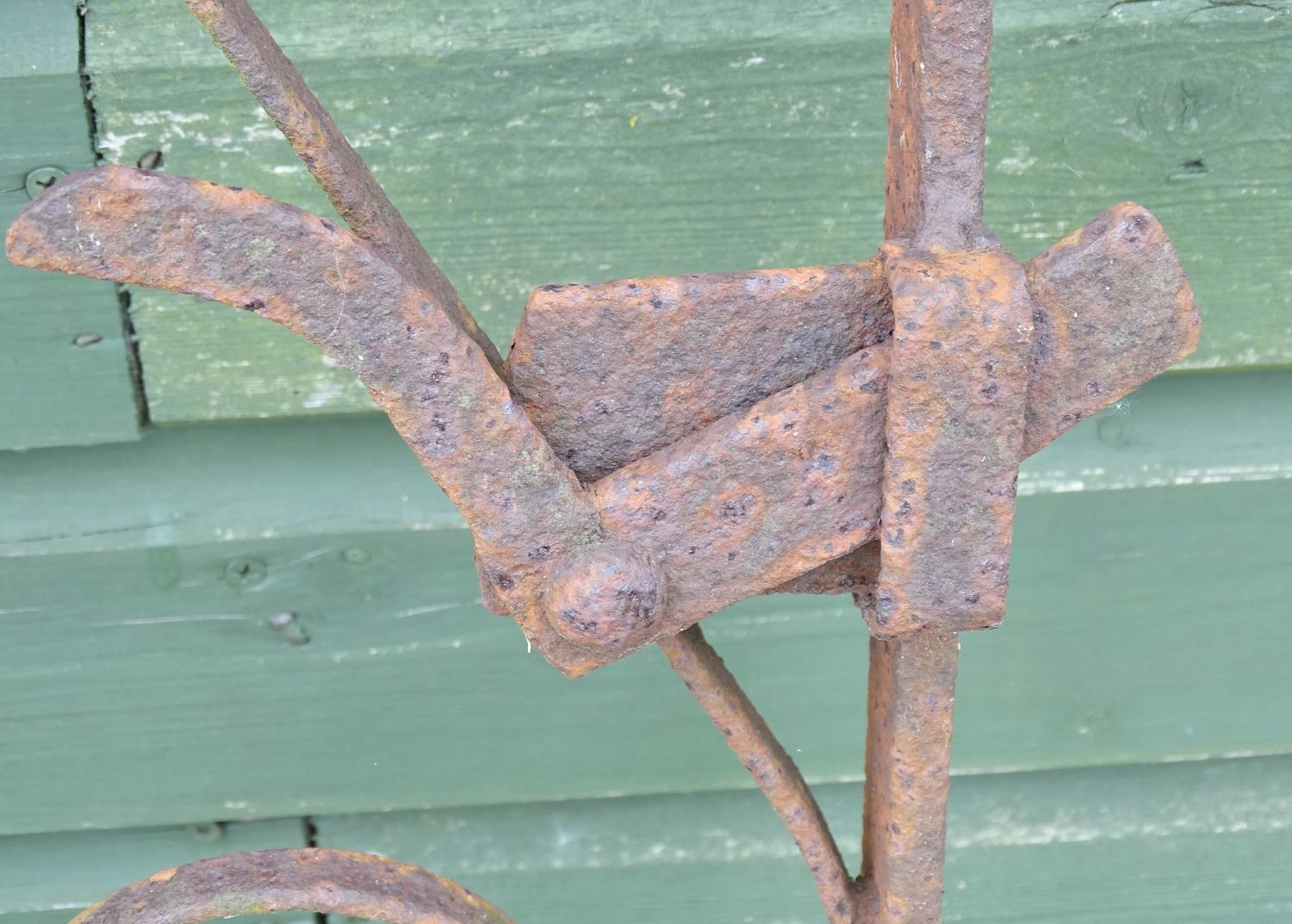 A wrought iron gate Please Note - we do not make reference to the condition of lots within - Image 4 of 4