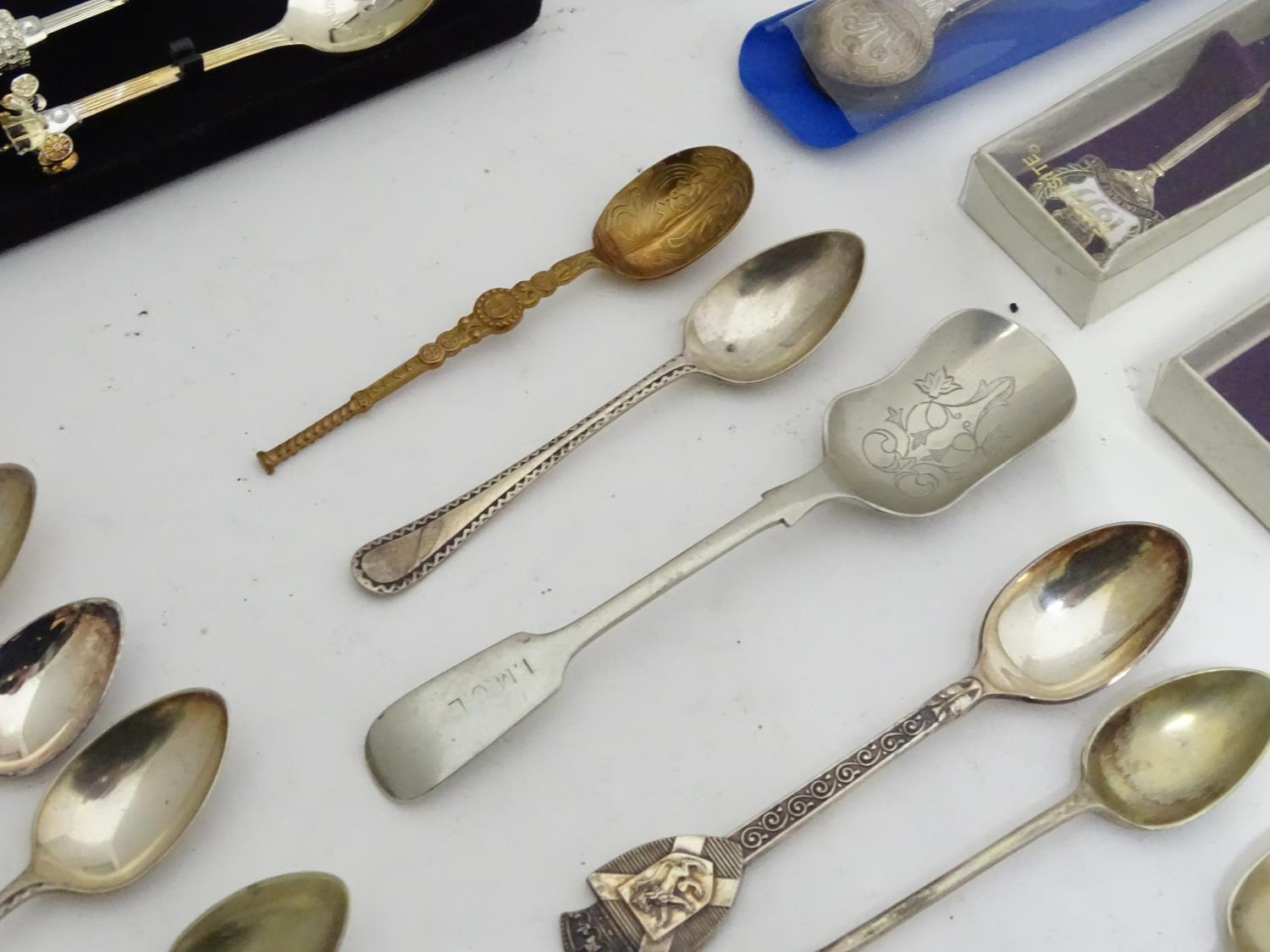 A quantity of assorted collectors spoons Please Note - we do not make reference to the condition - Image 8 of 16