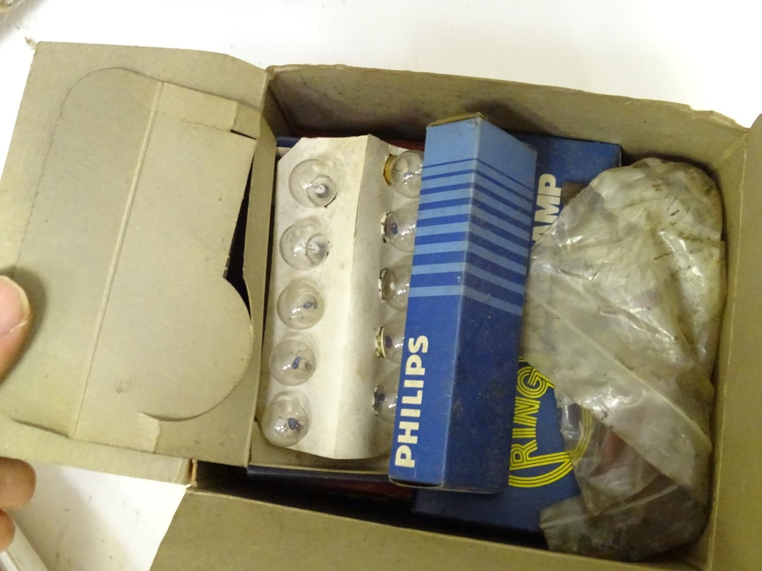 A large quantity of mechanics car parts Please Note - we do not make reference to the condition of - Image 28 of 33