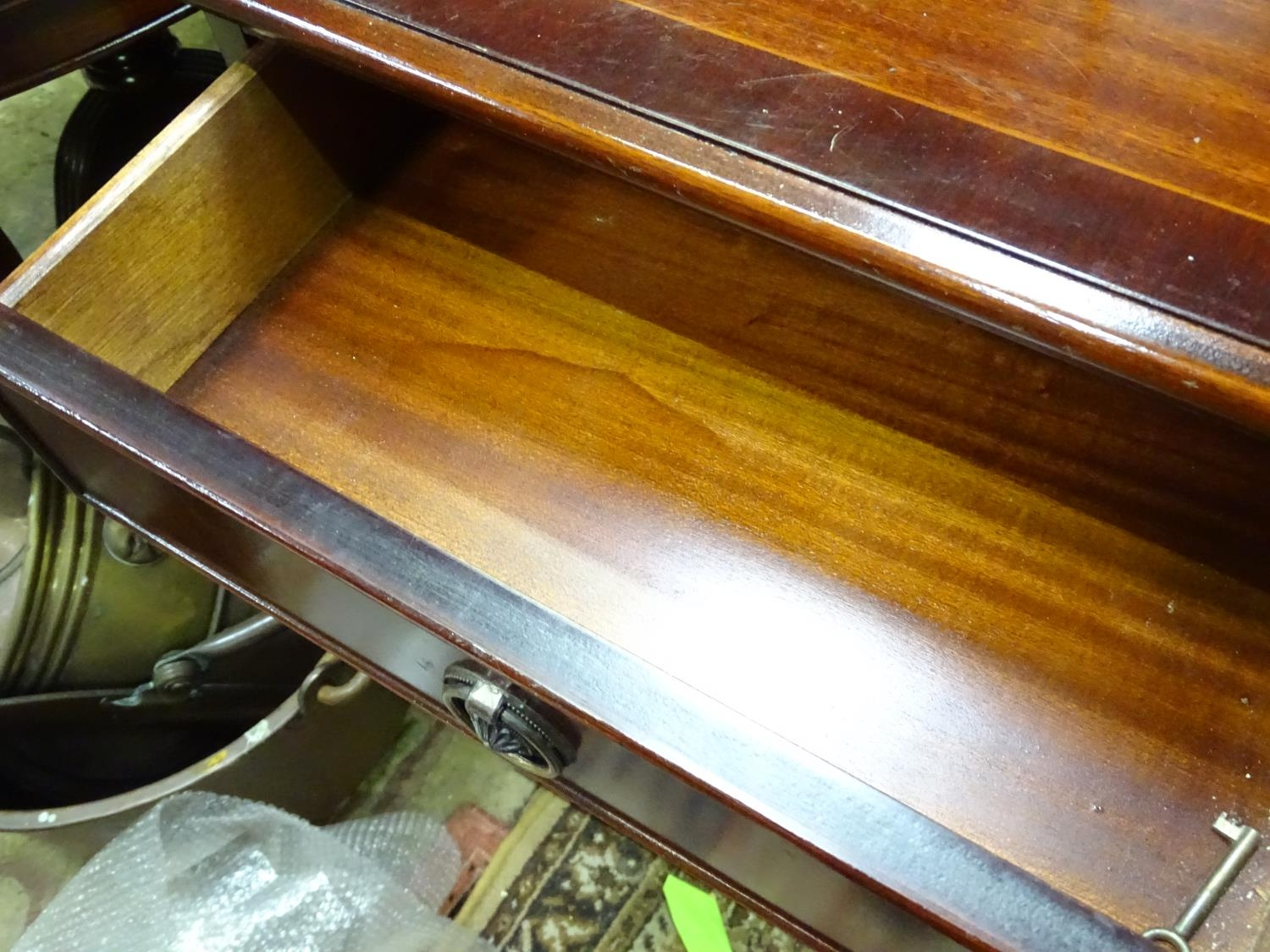 A late 20thC mahogany dining suite comprising table, 6 chairs, sideboard, drinks cabinet and - Image 7 of 8