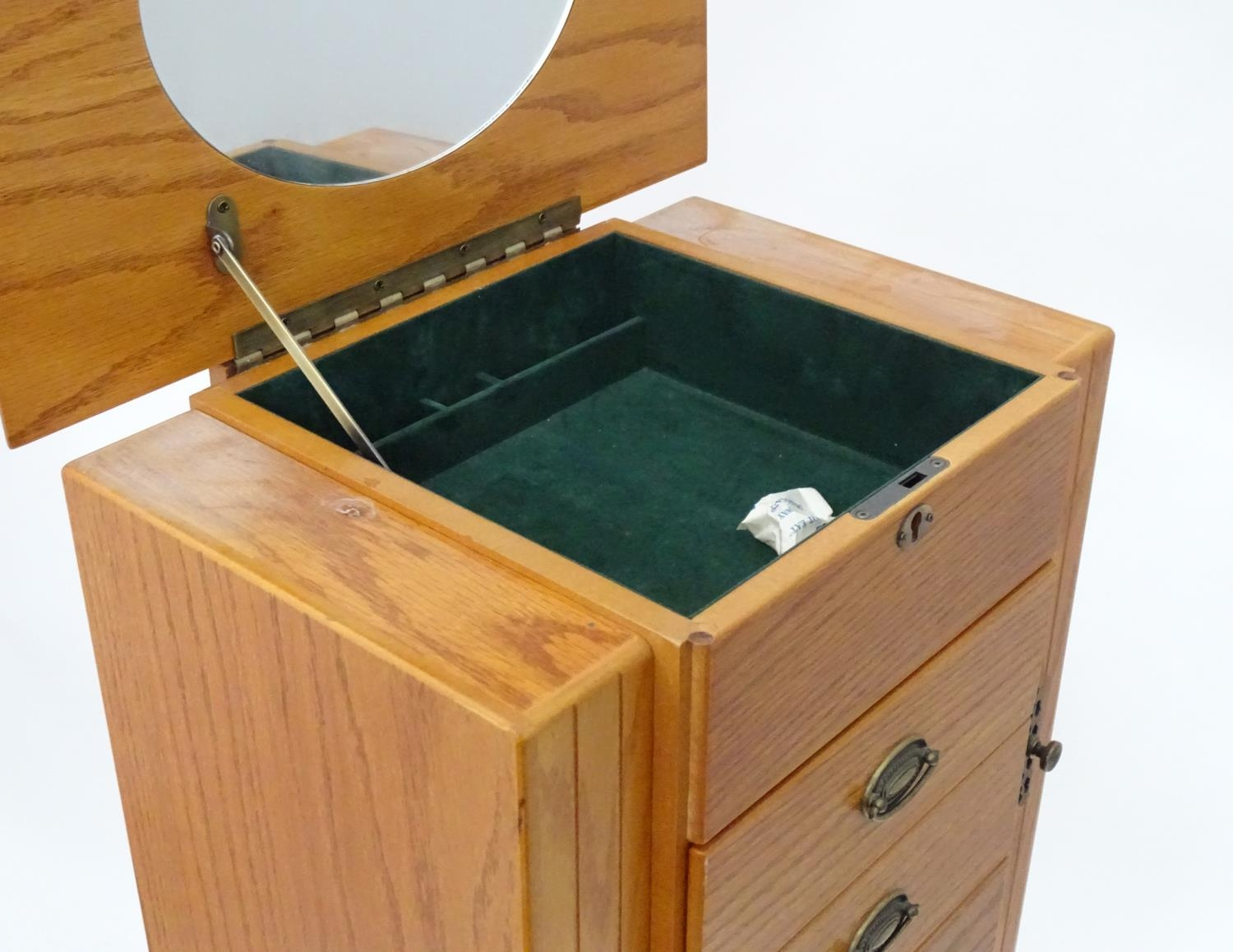A jewellery cabinet Please Note - we do not make reference to the condition of lots within - Image 2 of 5