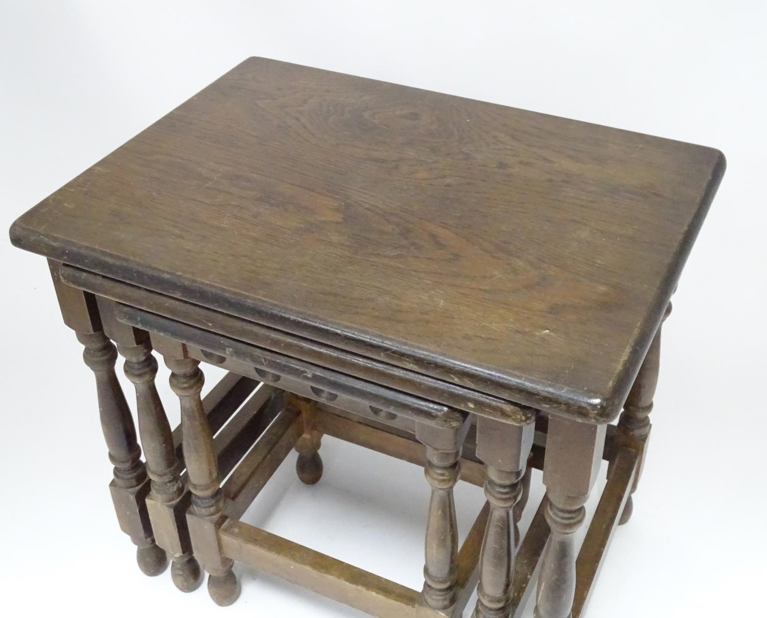 An oak nest of tables Please Note - we do not make reference to the condition of lots within - Image 2 of 3