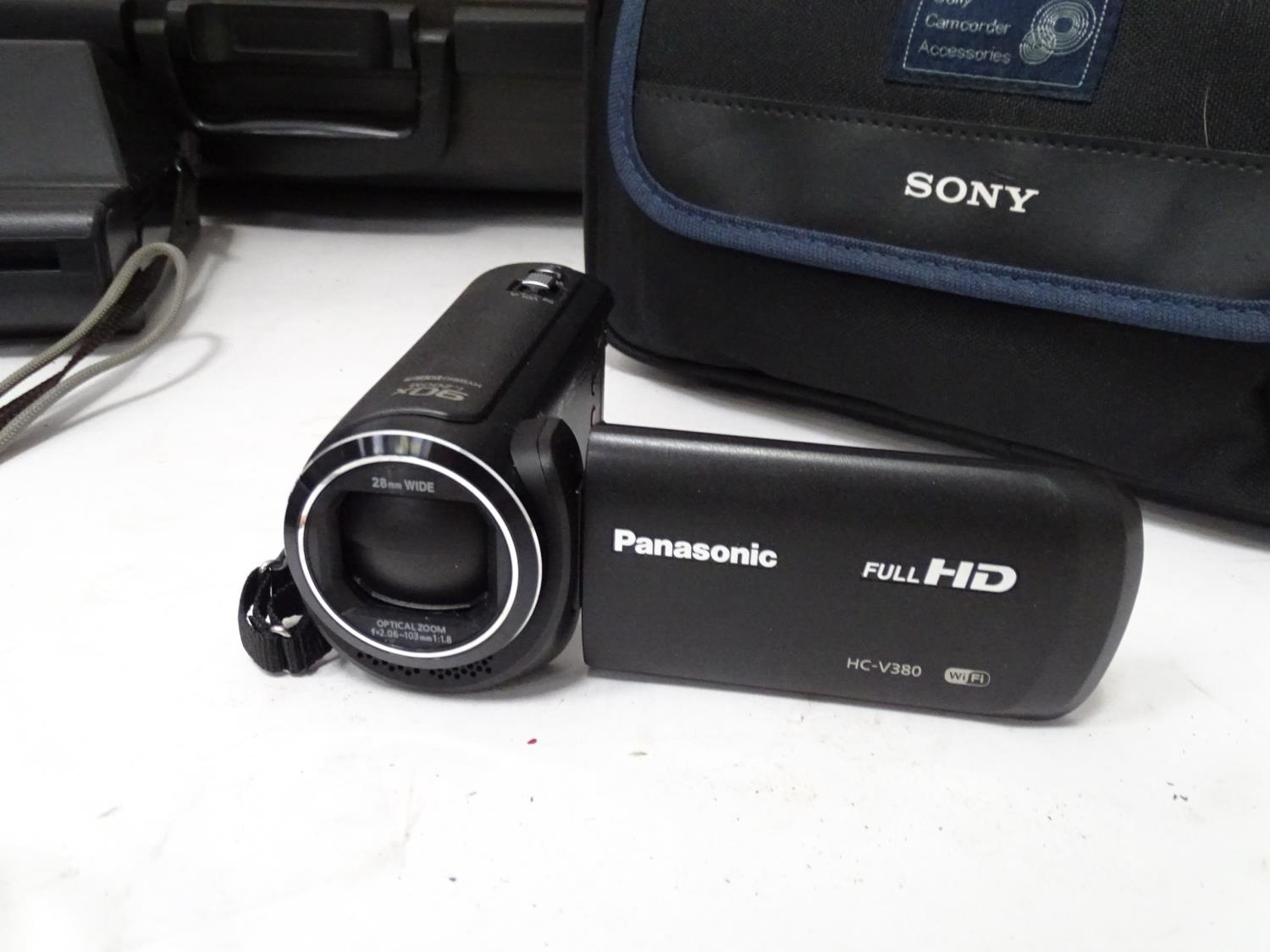 A quantity of cameras etc. Please Note - we do not make reference to the condition of lots within - Image 12 of 18