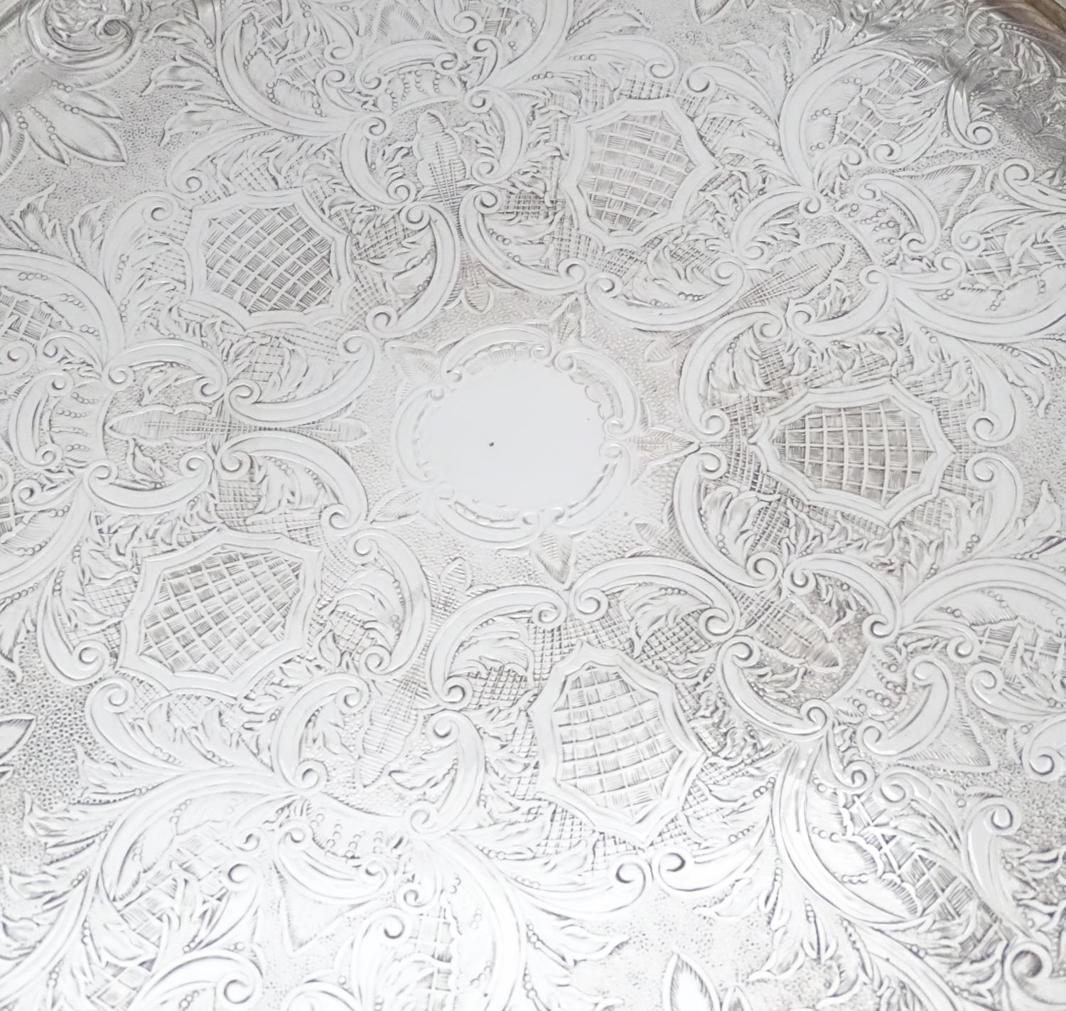 A silver plated entree dish with 5 inset glass sections Please Note - we do not make reference to - Image 5 of 6