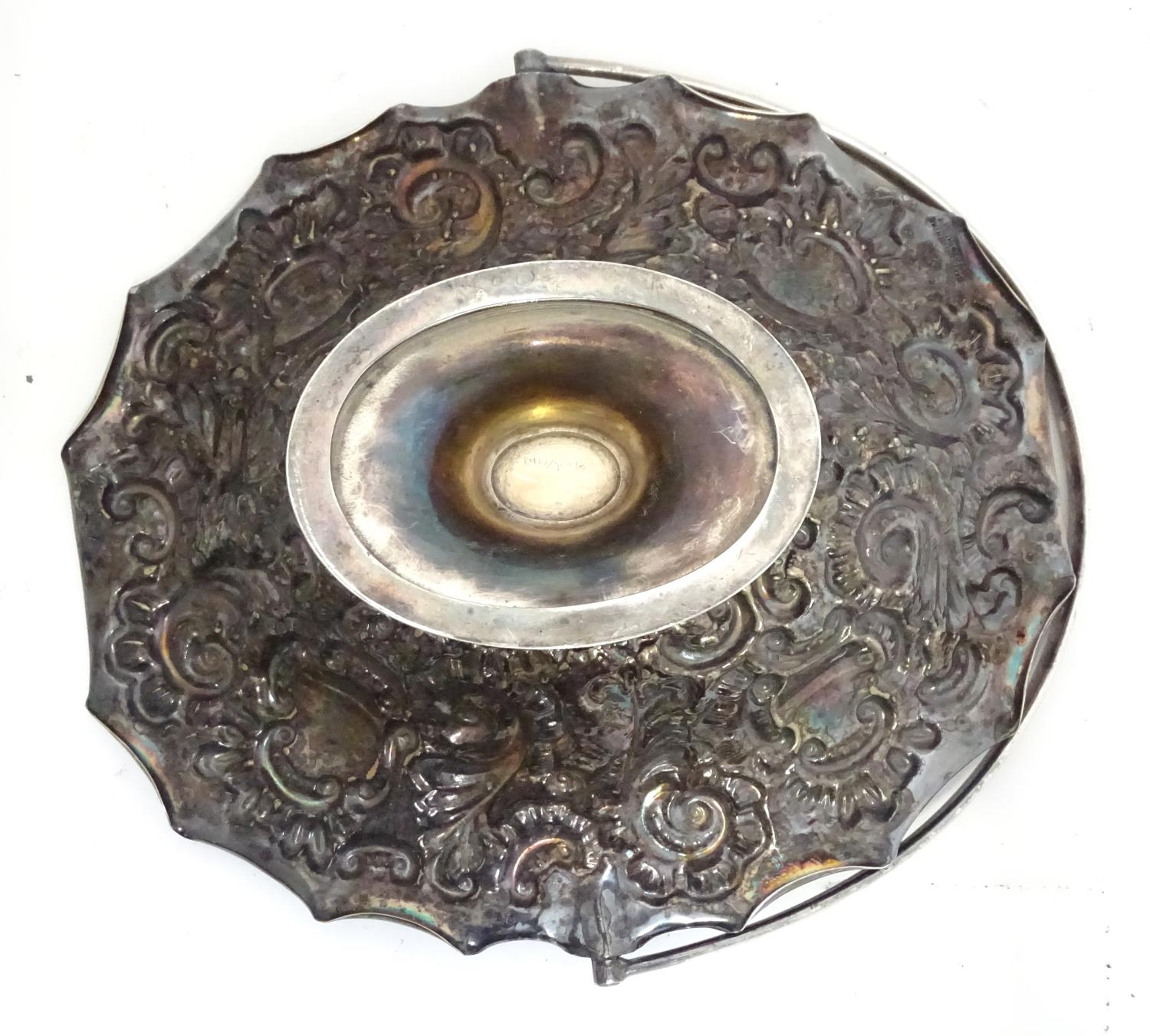 A silver plated bowl together with 2 spoons Please Note - we do not make reference to the - Image 2 of 6
