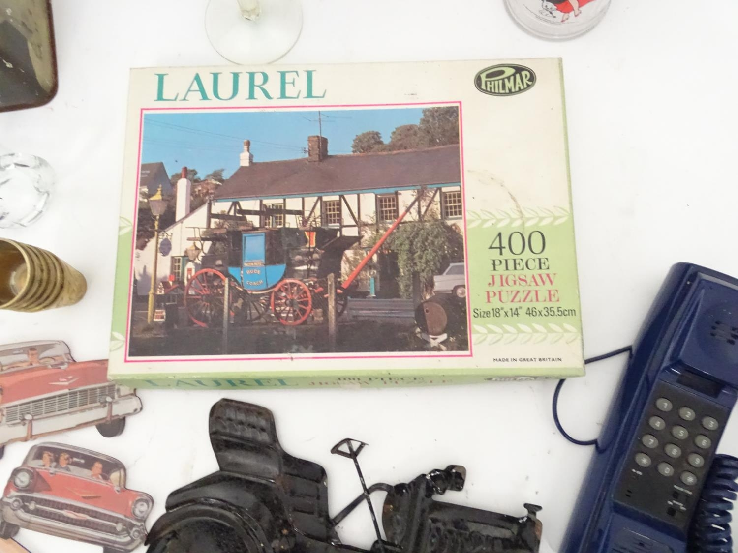 A box of miscellaneous to include novelty phone, drinking glasses, wine glasses, binoculars etc. - Image 6 of 12
