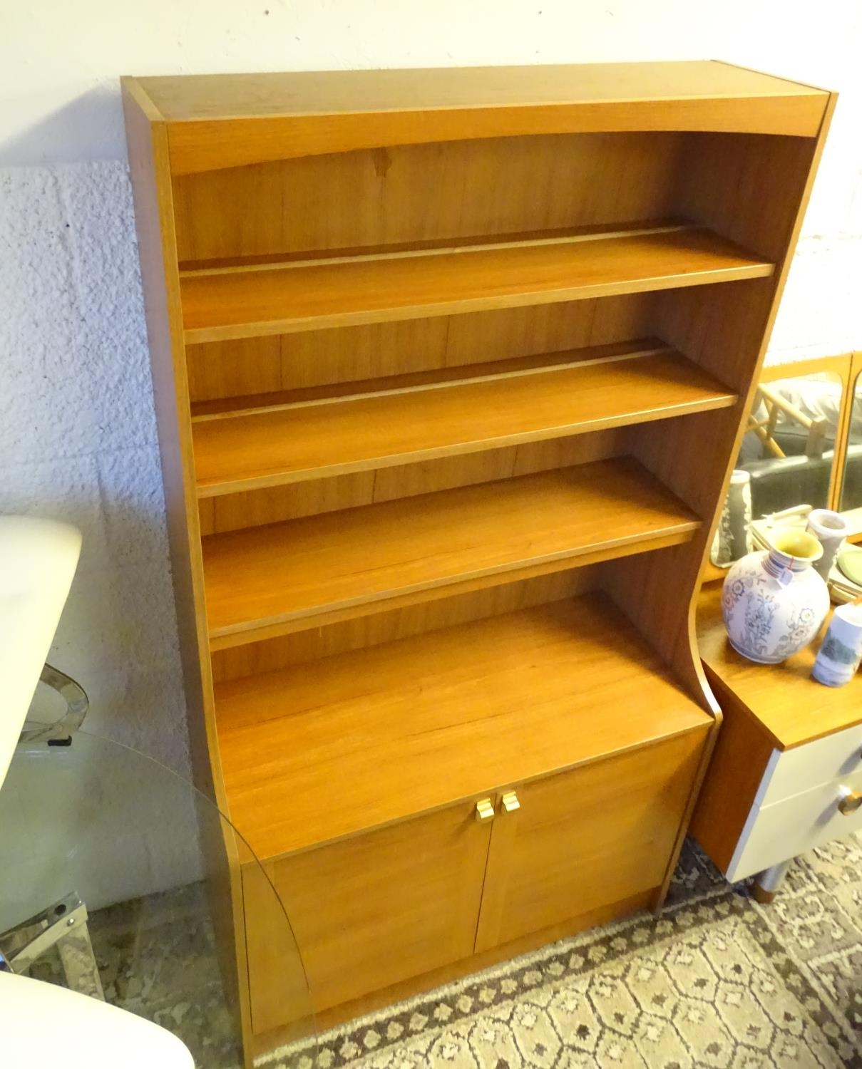Vintage Retro, Mid Century: a Schreiber dresser bookcase, in teak finish with three shelves and - Image 5 of 7