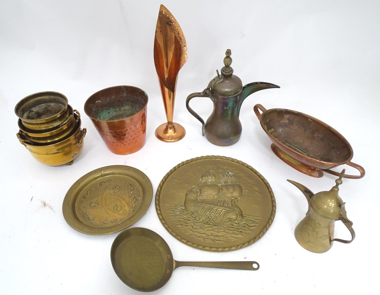 A quantity of brass and copper items Please Note - we do not make reference to the condition of lots