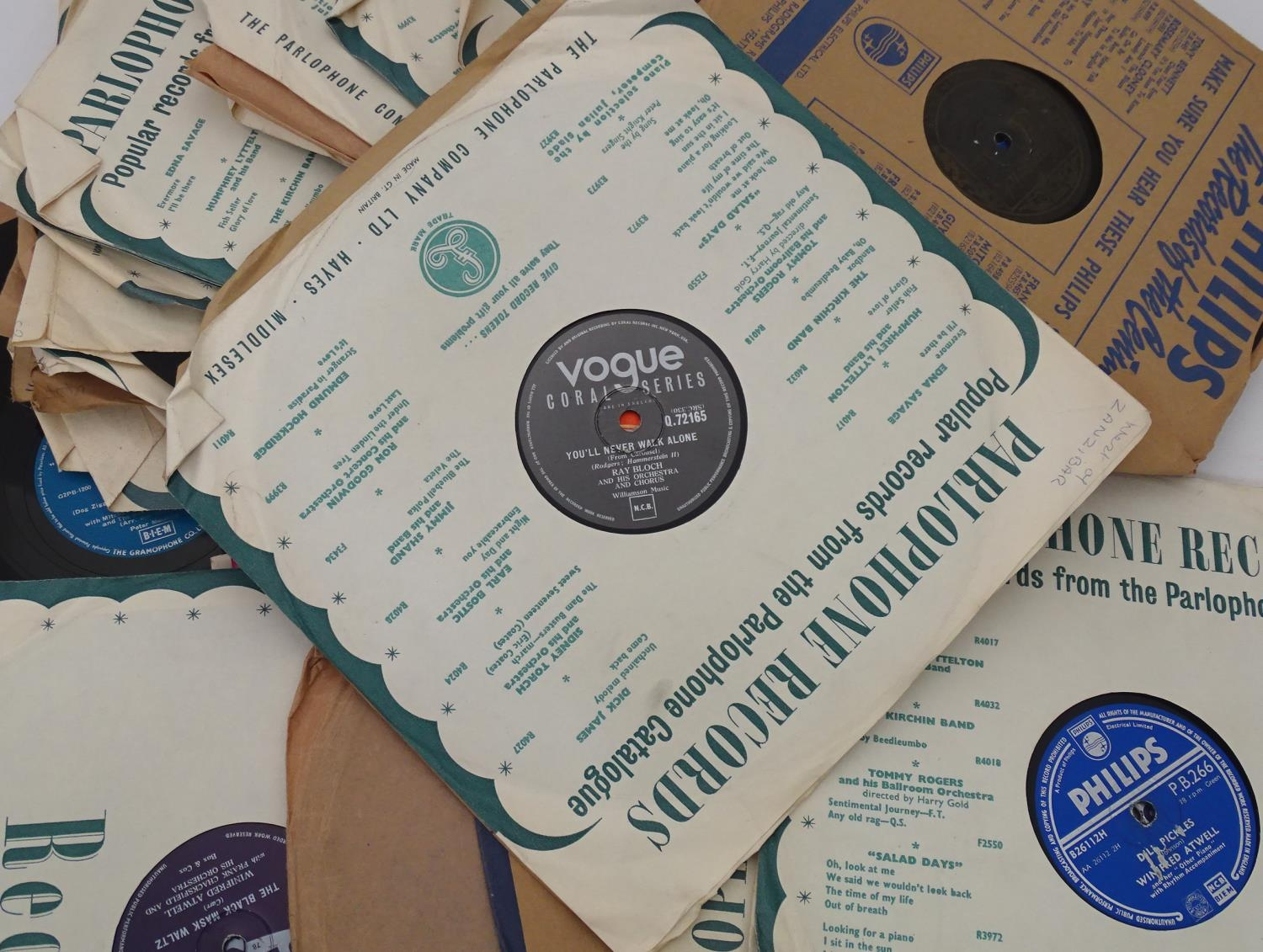 A quantity of 78 RPM vinyl records Please Note - we do not make reference to the condition of lots - Image 7 of 7