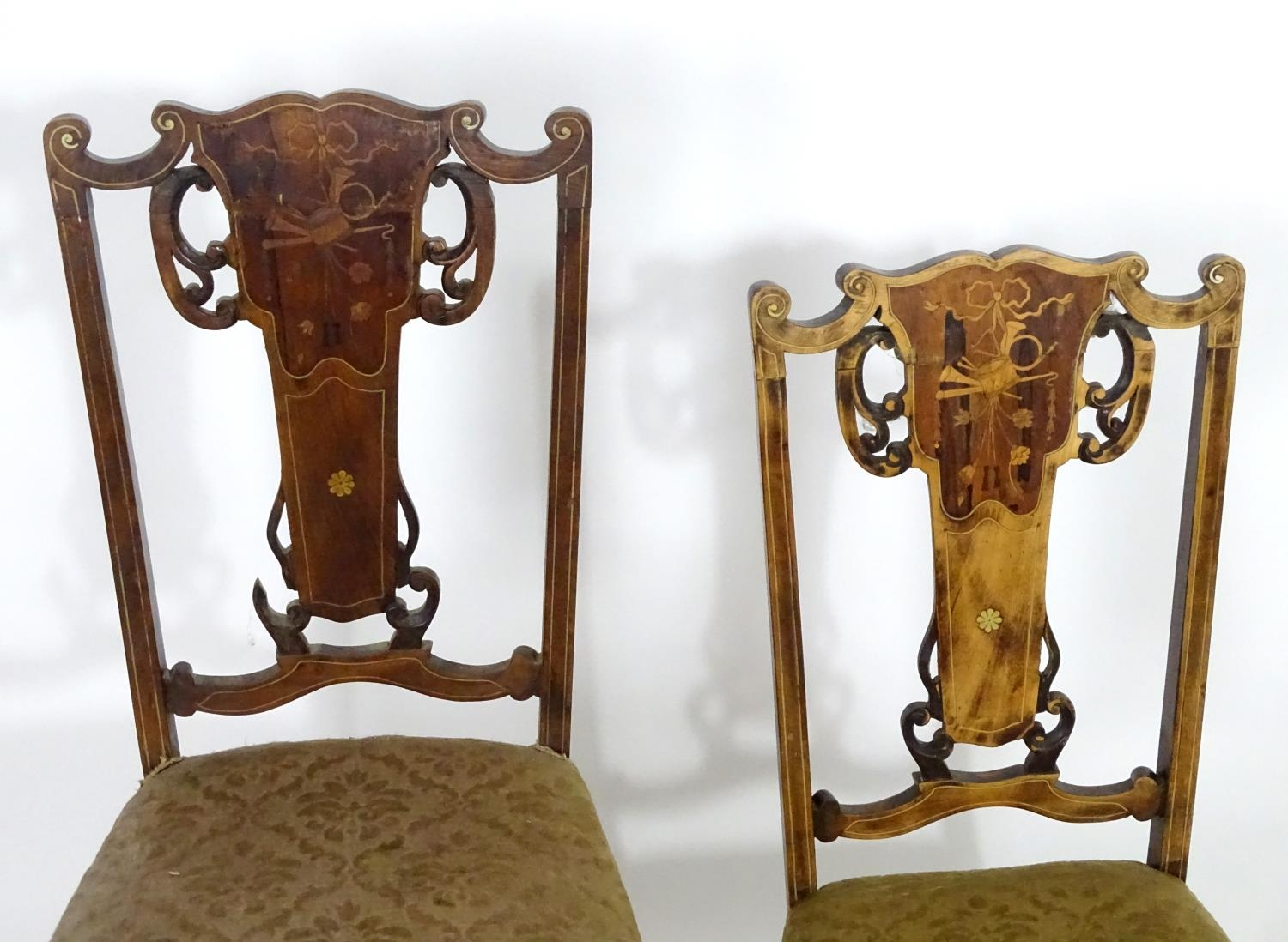 Two early 20thC side chairs with shaped top rails above tapered and pierced back splats with - Image 4 of 5