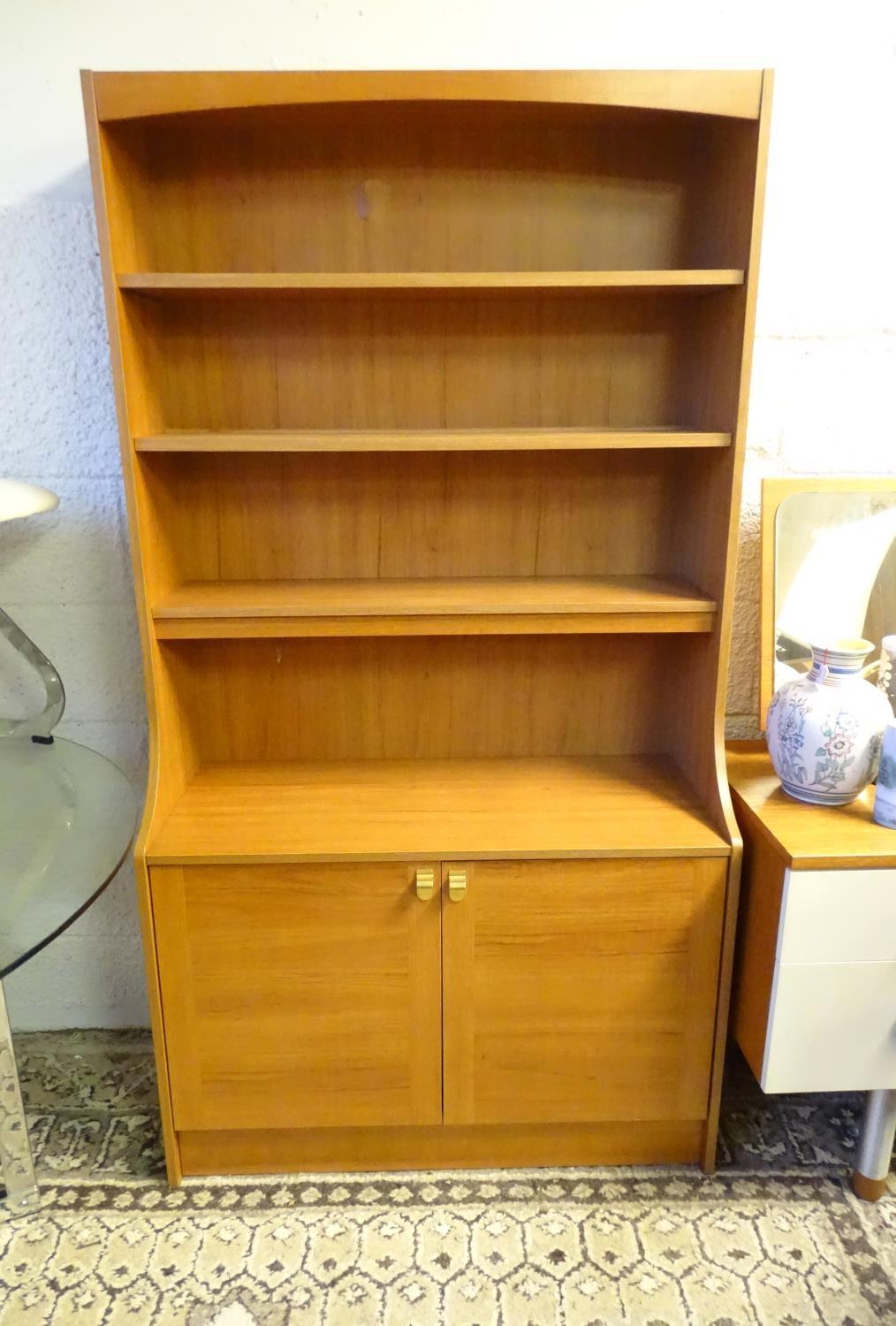 Vintage Retro, Mid Century: a Schreiber dresser bookcase, in teak finish with three shelves and - Image 3 of 7