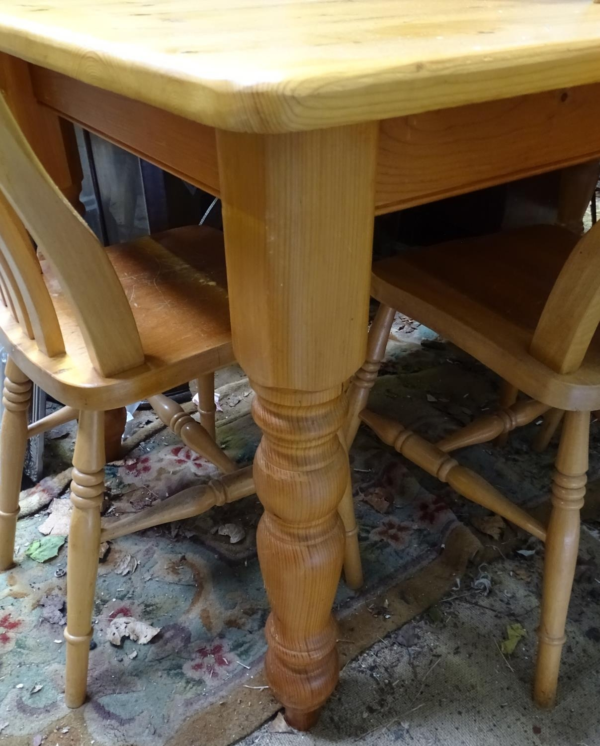 A pine dining table with 6 chairs Please Note - we do not make reference to the condition of lots - Image 5 of 5