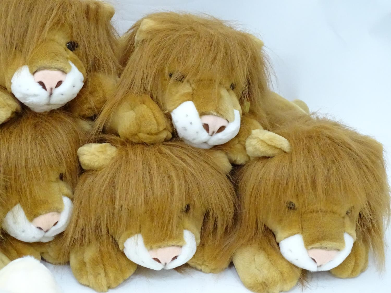 A quantity of Keel soft toys Please Note - we do not make reference to the condition of lots - Image 5 of 9