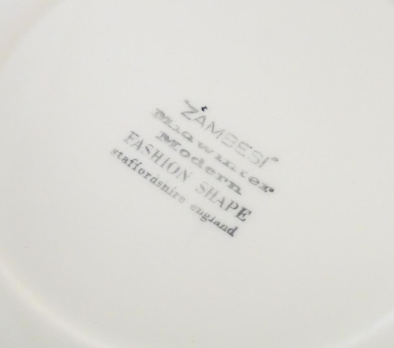 A quantity of retro Midwinter dinner wares in the pattern Zambesi, comprising plates, serving - Image 5 of 12