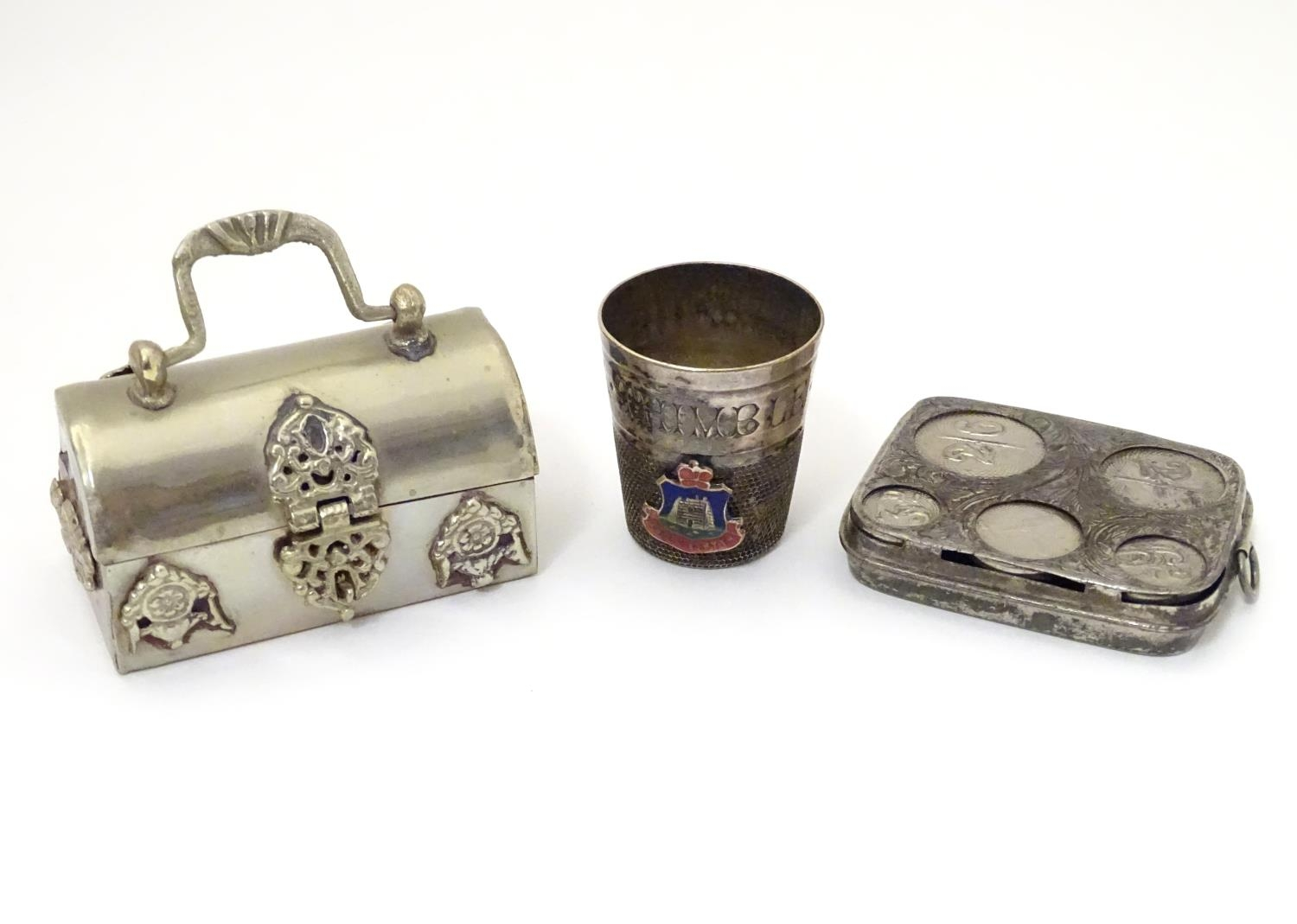 Three silver plate items comprising a coin holder, small box of casket form and an oversized thimble - Image 3 of 10