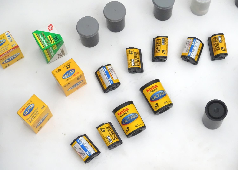 A quantity of 20thC cameras and photographic equipment, comprising: Voigtlander Bessa, Voigtlander - Image 15 of 22