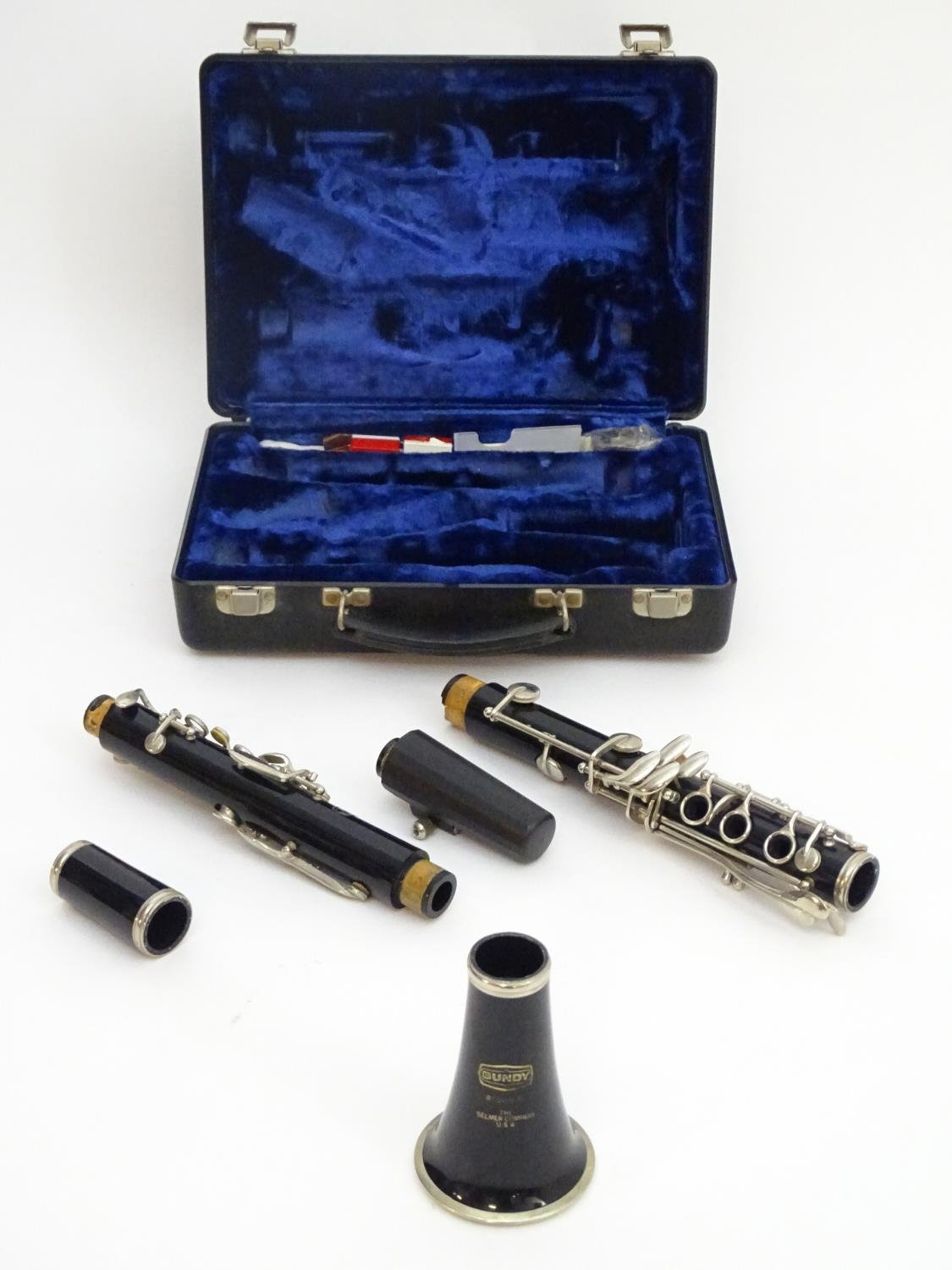 """Musical Instrument: A late 20thC cased Selmer Bundy Resonite Bb clarinet, 26 3/8"""" Please Note - we - Image 6 of 11"""