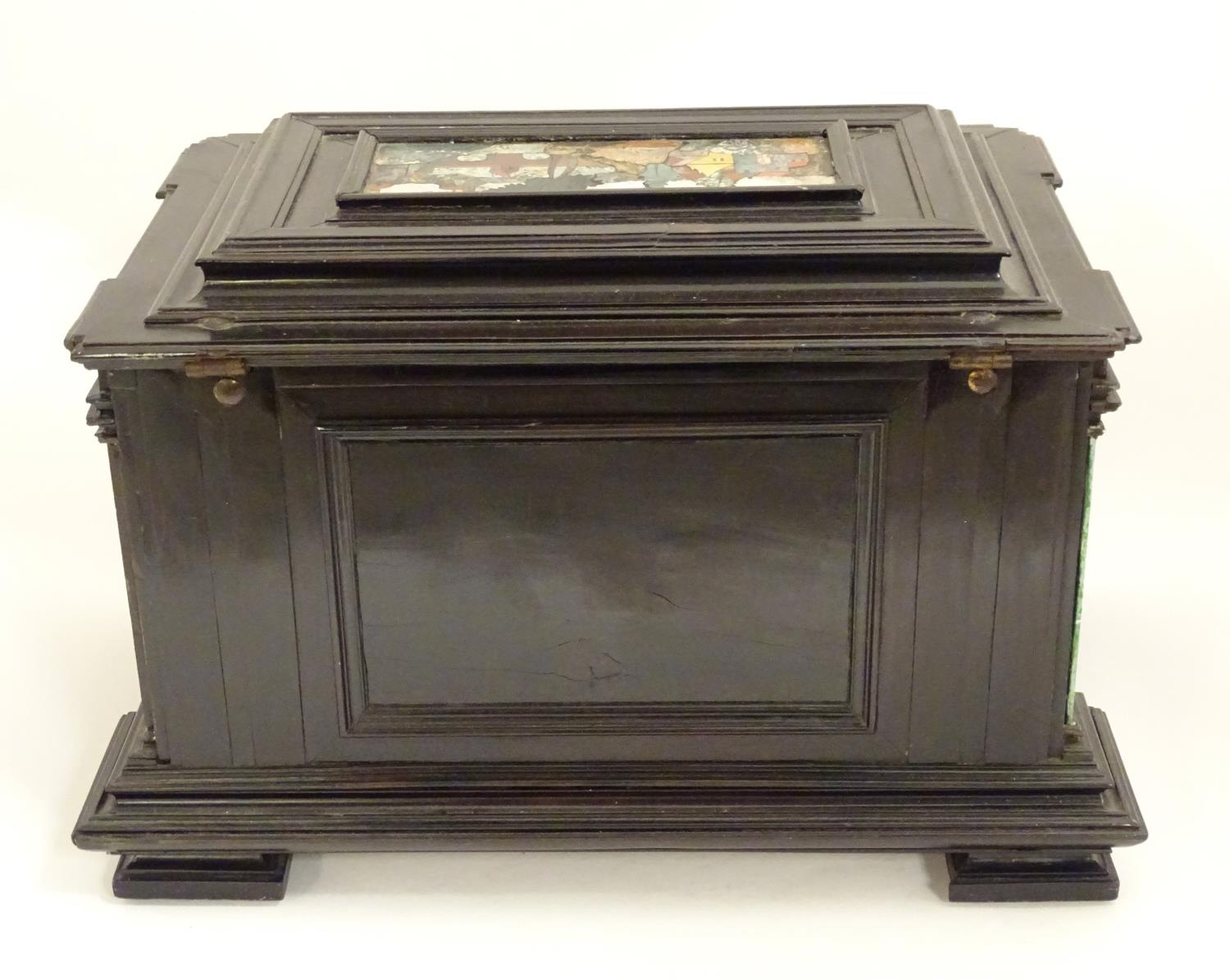 A 19thC Italian Grand Tour table cabinet / casket box of exceptionally large form with specimen - Image 47 of 58