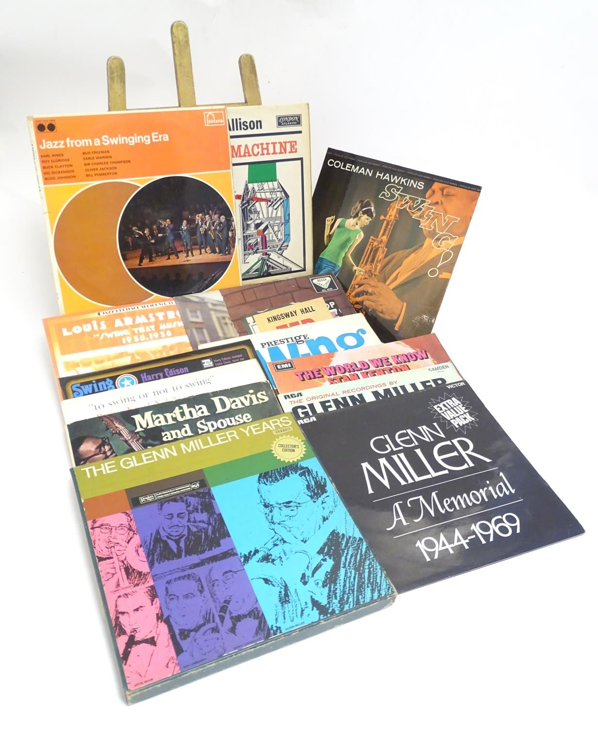 A collection of 20thC 33 rpm Vinyl records / LPs, Jazz, Big Band, Swing, comprising: Swing! (Coleman - Image 4 of 9