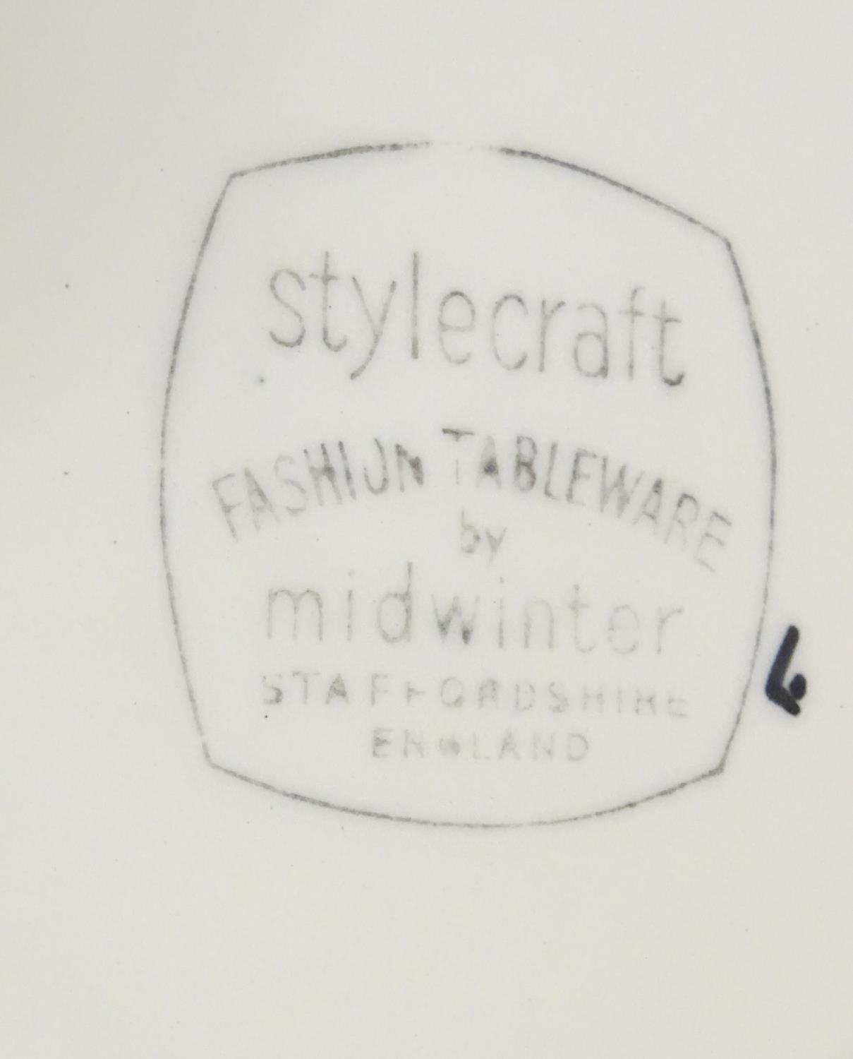 A quantity of retro Midwinter dinner wares in the pattern Zambesi, comprising plates, serving - Image 7 of 12