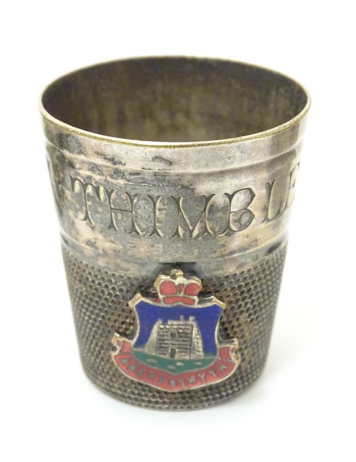 Three silver plate items comprising a coin holder, small box of casket form and an oversized thimble - Image 7 of 10