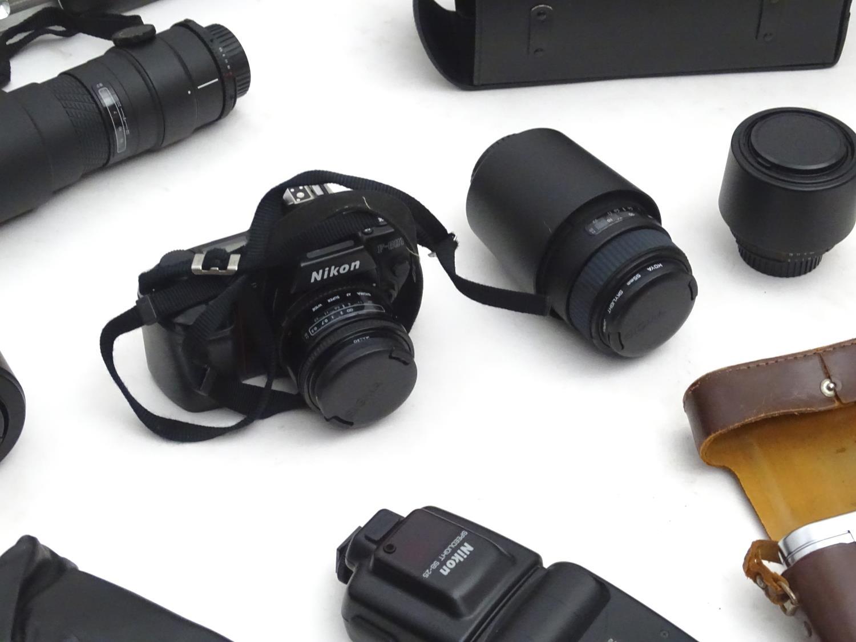 A quantity of 20thC cameras and photographic equipment, comprising: Voigtlander Bessa, Voigtlander - Image 17 of 22