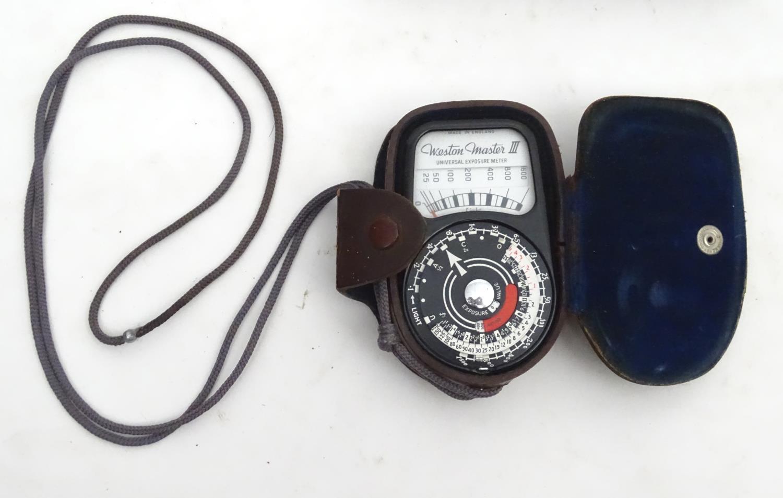 A quantity of 20thC cameras and photographic equipment, comprising: Voigtlander Bessa, Voigtlander - Image 10 of 22