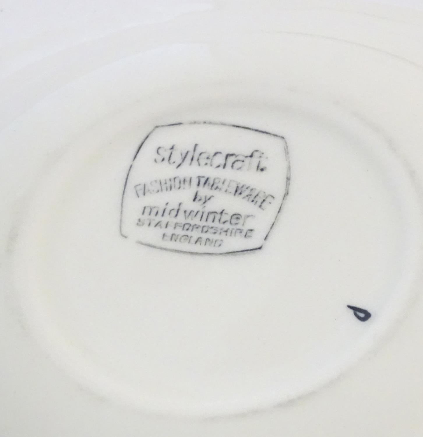A quantity of retro Midwinter dinner wares in the pattern Zambesi, comprising plates, serving - Image 11 of 12