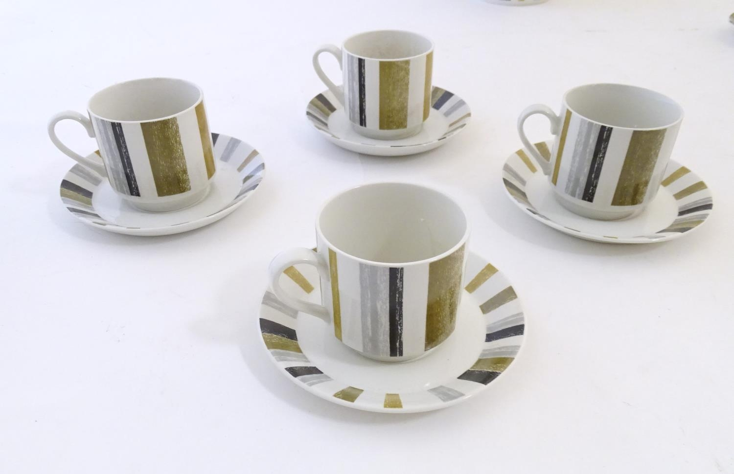A quantity of assorted retro Midwinter wares, comprising a coffee pot, coffee cups and saucers etc - Image 3 of 20
