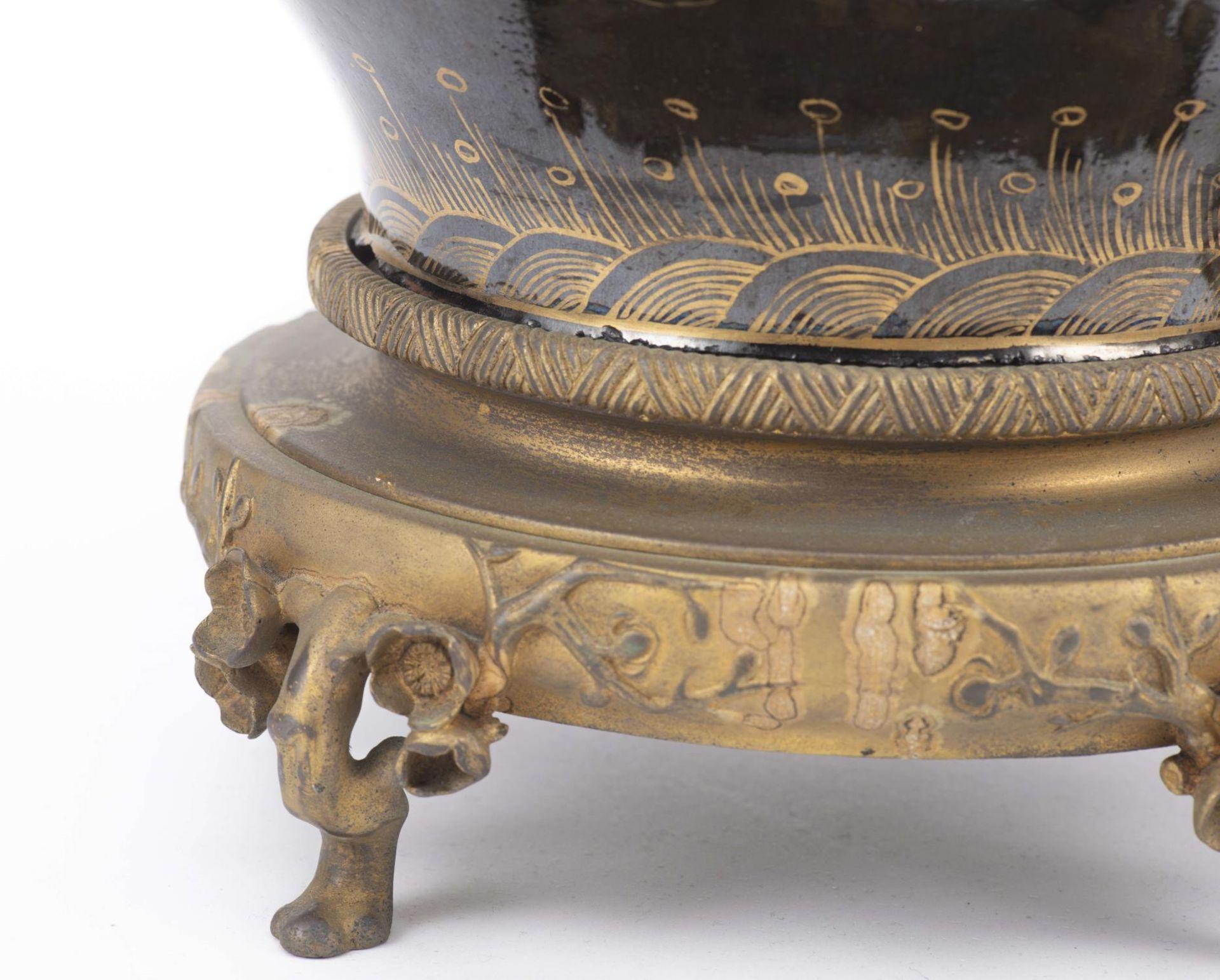 Lampe de table à pied en porcelaine de Chine - Image 9 of 20