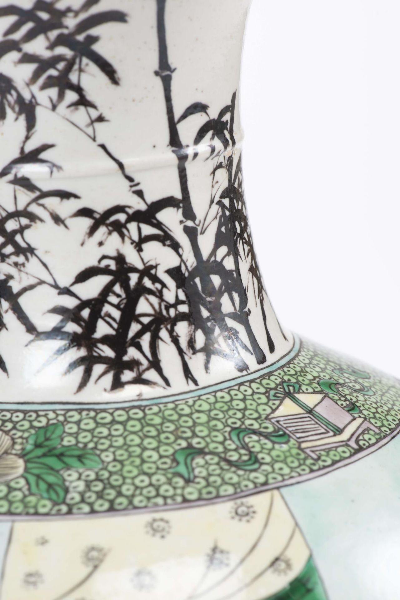 Vase Yenyen en biscuit de Chine, époque Qing - Bild 7 aus 12