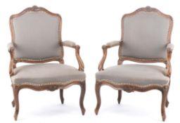 Paire de fauteuils d'époque Louis XV en bois de hêtre