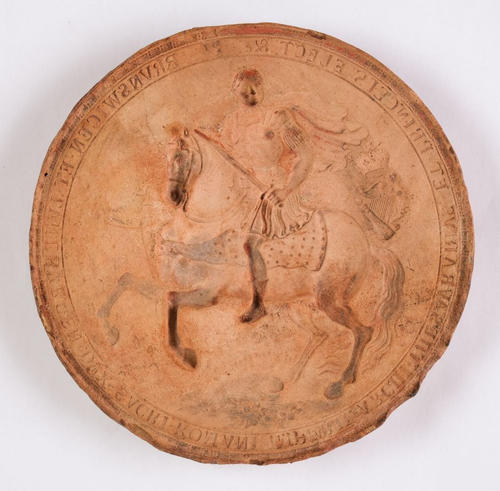 * Great Seal moulds. Plaster cast moulds of the Great Seal of George III, (reign 1760-1820) - Image 2 of 4