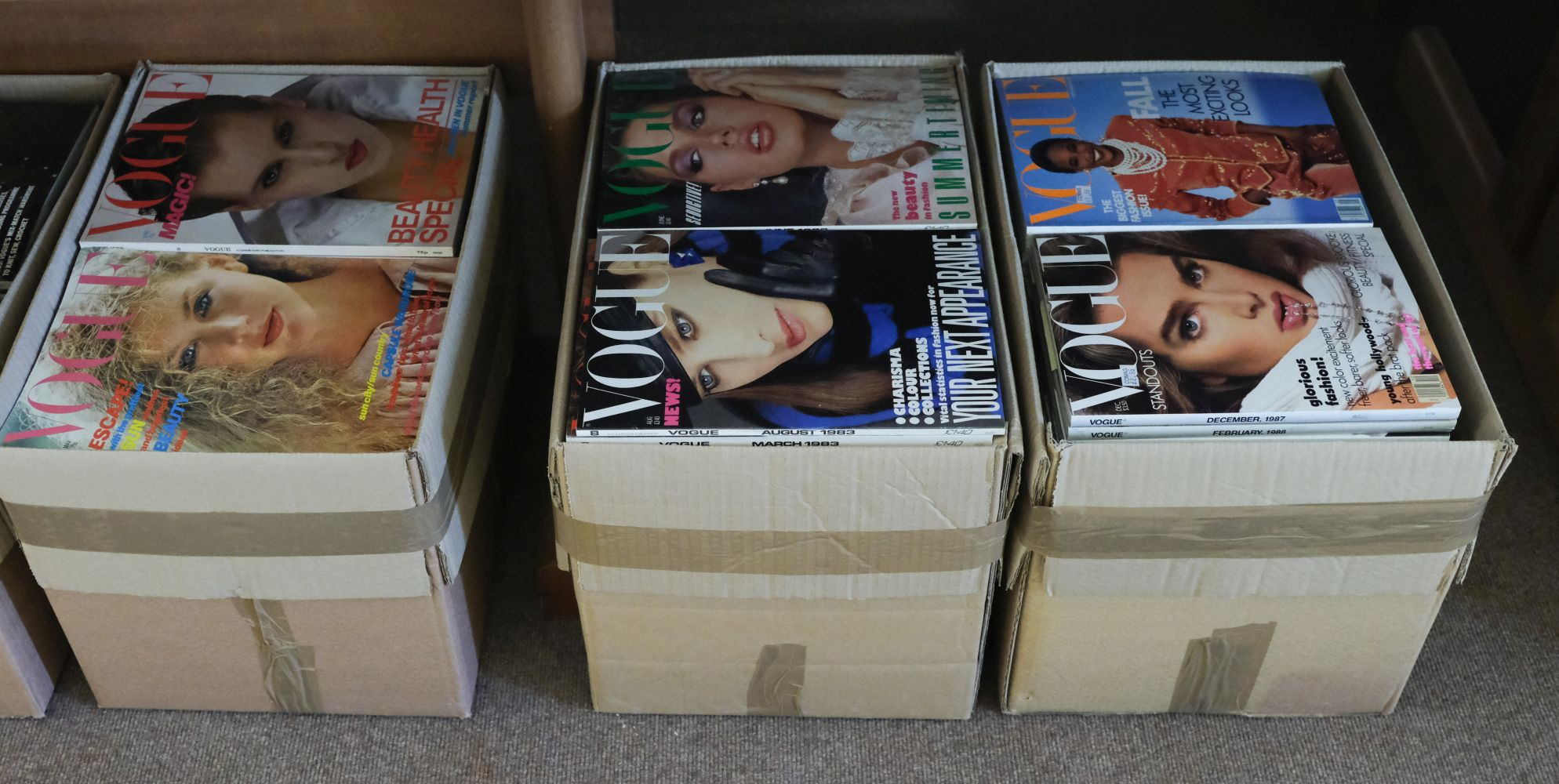 Vogue. 340 issues, 1970s/1980s - Image 2 of 2
