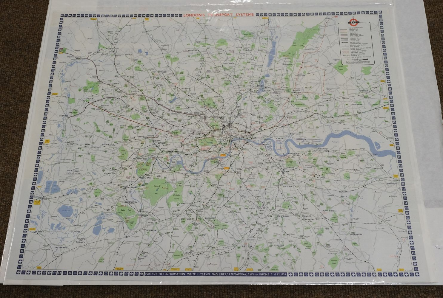 London. A mixed collection of 25 maps, plans and views, 18th - 20th century - Image 4 of 11