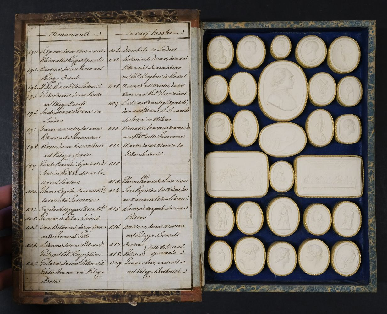 Paoletti (Bartolomeo and Pietro). A collection of 300 plaster cameos, 1820 - Image 9 of 16