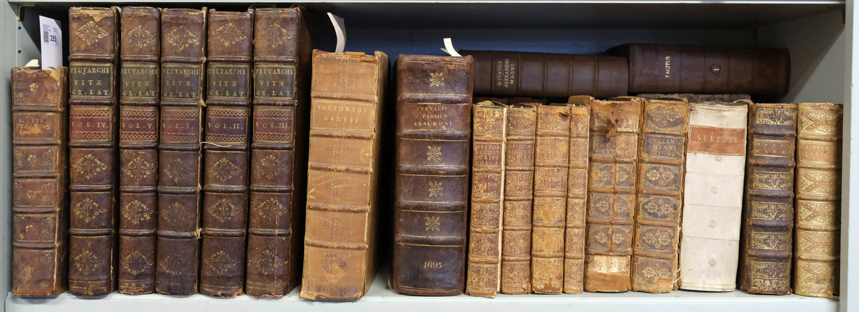 Plutarch. Plutarchi Chaeronensis Vitae Parallelae,..., 5 volumes, London: Tonson & Watts, 1729