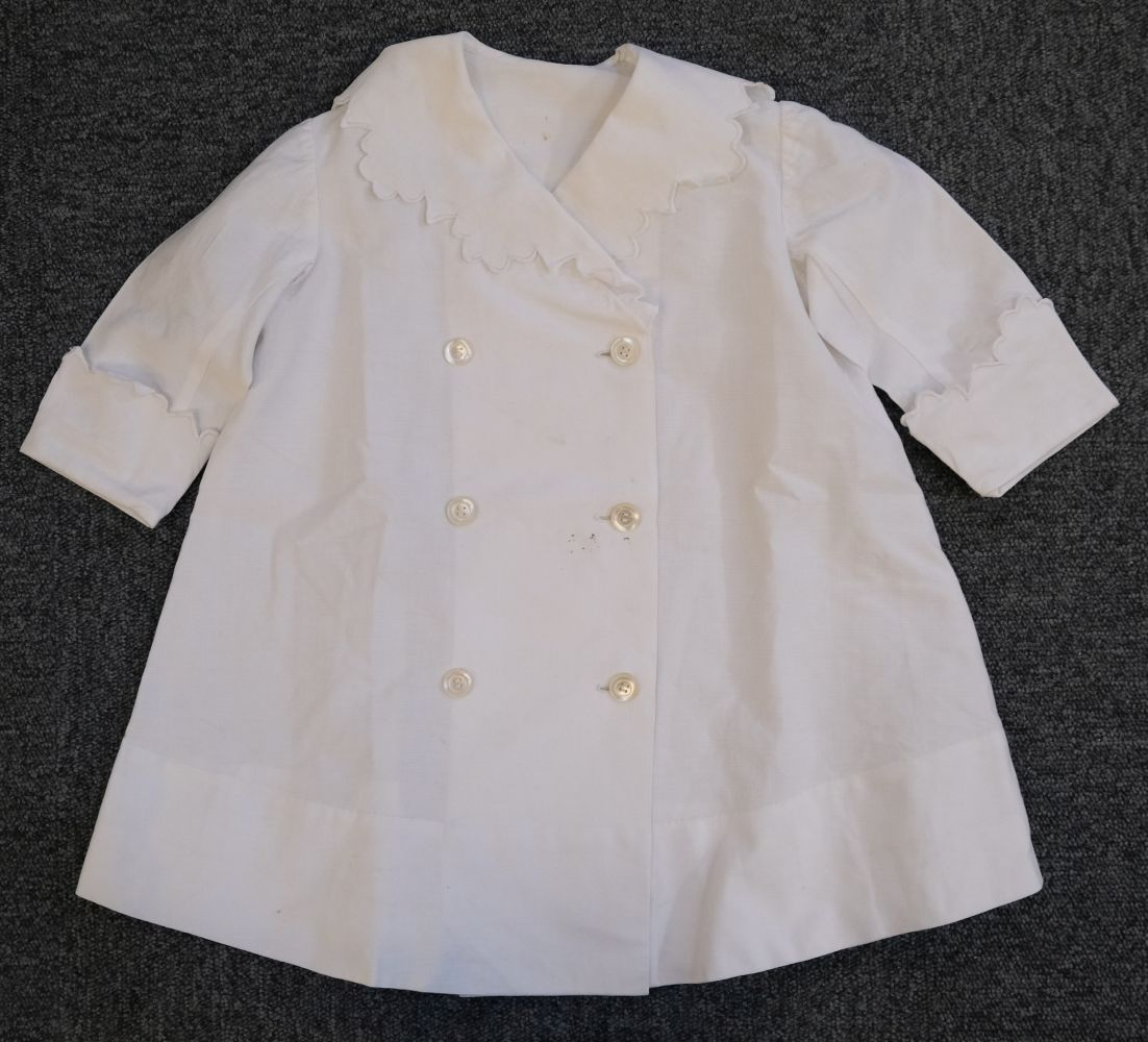 * Children's clothes. A boy's mourning dress, circa 1840 - Image 6 of 9