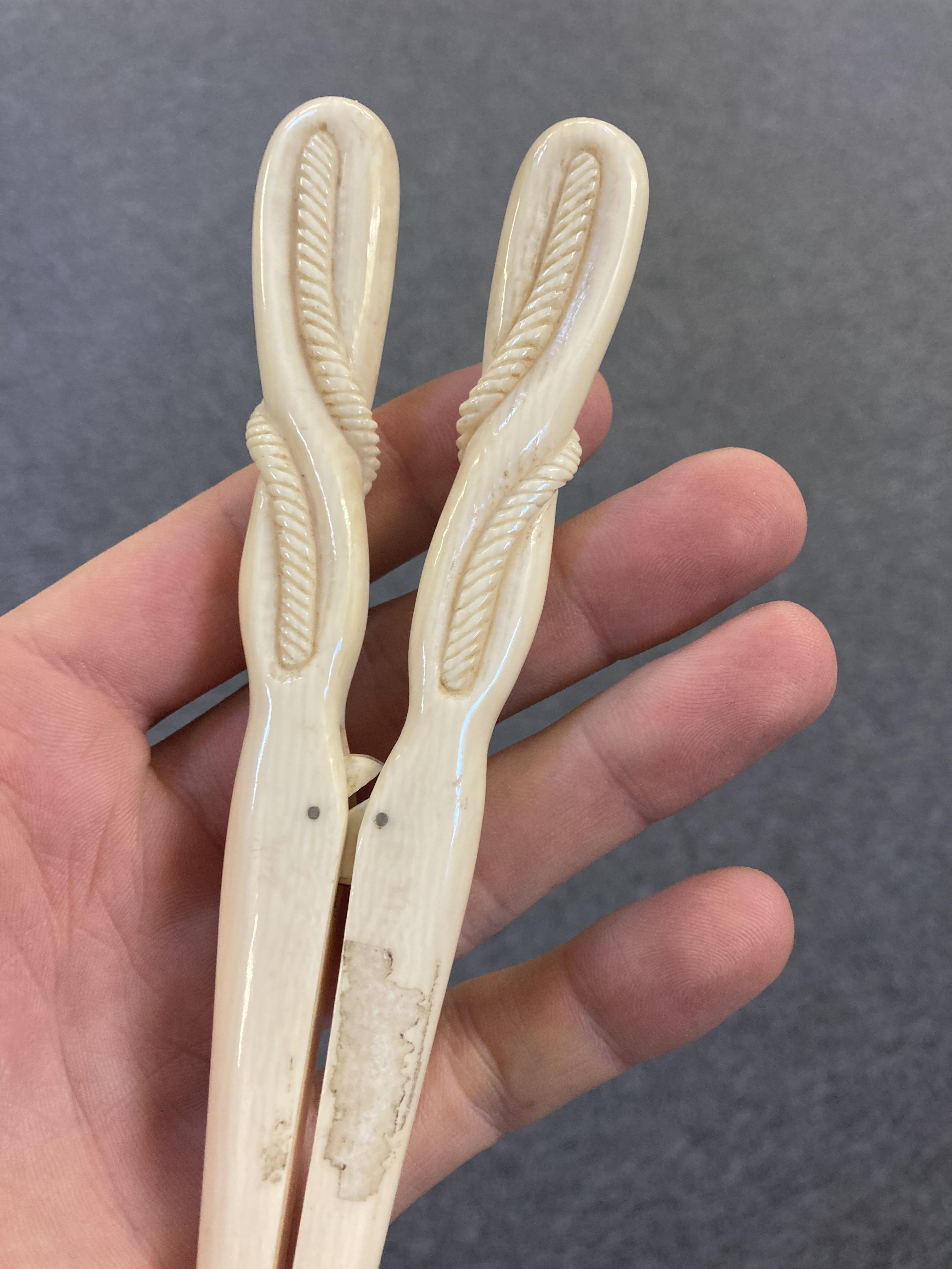 * Glove Stretchers, Victorian ivory glove stretchers - Image 4 of 10