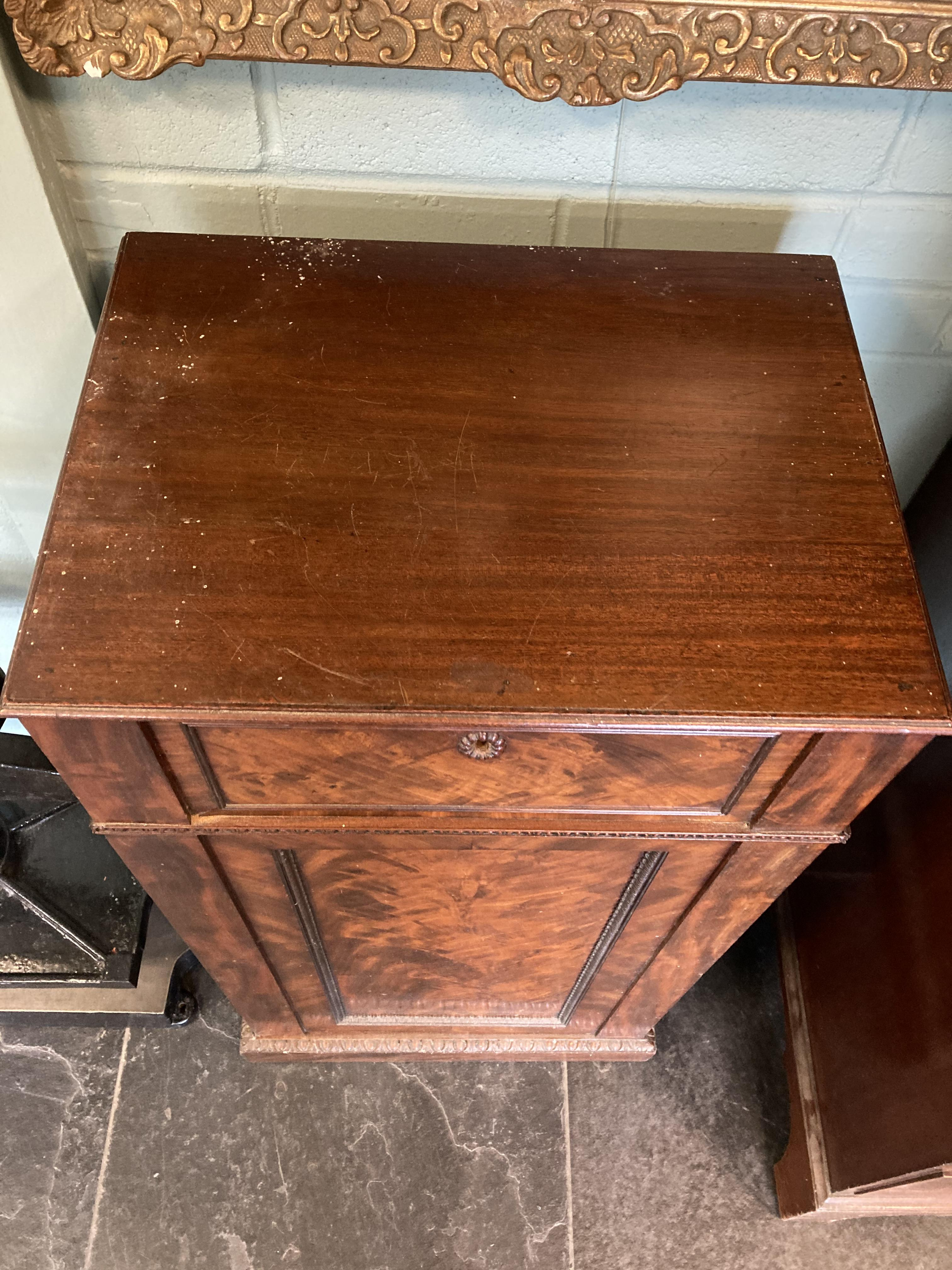 * Cabinets. Pair of William IV pedestal cabinets - Image 3 of 17