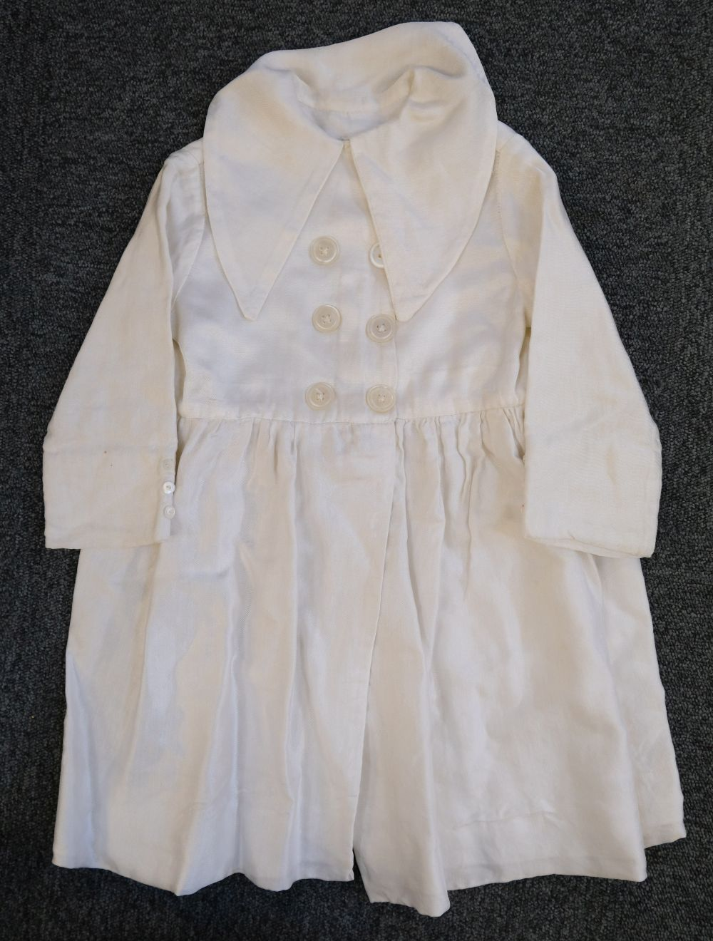 * Children's clothes. A boy's mourning dress, circa 1840 - Image 5 of 9